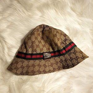 Gucci Bucket Hat (Gucci Script Logo Version)